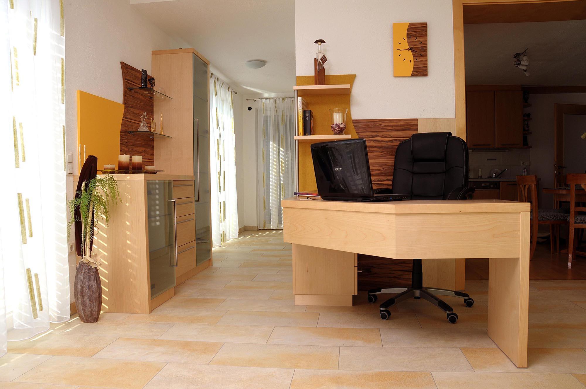 wohnzimmer mit b ro thurnerschlag pr ll wohnideen. Black Bedroom Furniture Sets. Home Design Ideas
